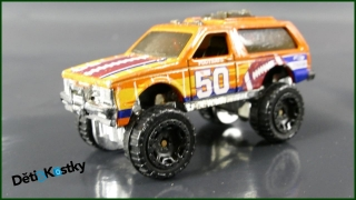 Hot Wheels Autíčko Chevy Blazer 4x4